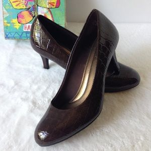 Comfort Plus - Size 8 Brown Reptile Skin Pumps